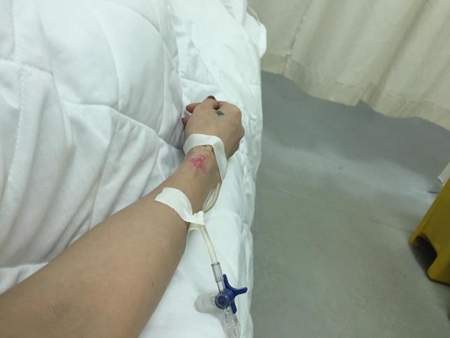 Thuỷ Tiên sốt 40 độ, nhập viện trong đêm - anh 1