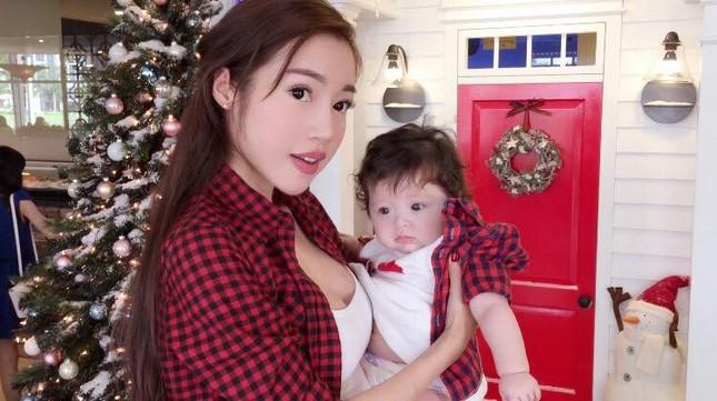 Ngất ngây bộ ảnh Elly Trần và con gái đón giáng sinh - anh 4