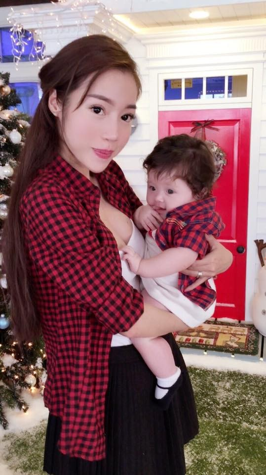 Ngất ngây bộ ảnh Elly Trần và con gái đón giáng sinh - anh 1