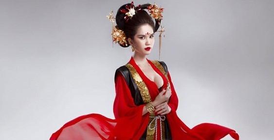Ngọc Trinh bị chỉ trích gay gắt khi hóa thân thành Võ Tắc Thiên - anh 4