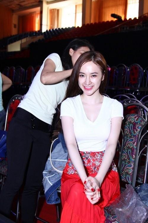 Angela Phương Trinh khóc lóc, tiều tụy sau scandal tình - tiền với bác sĩ Chiêm Quốc Thái - anh 3