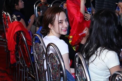 Angela Phương Trinh khóc lóc, tiều tụy sau scandal tình - tiền với bác sĩ Chiêm Quốc Thái - anh 5