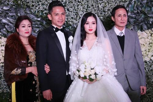 Tâm Tít vô cùng xinh đẹp và rạng rỡ trong đám cưới - anh 9