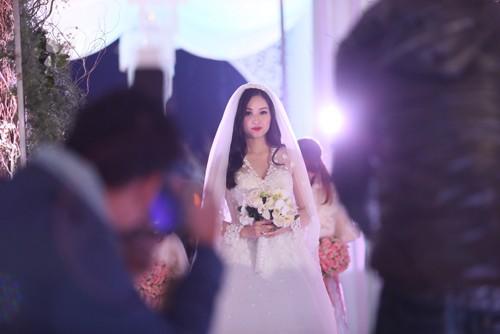 Tâm Tít vô cùng xinh đẹp và rạng rỡ trong đám cưới - anh 4
