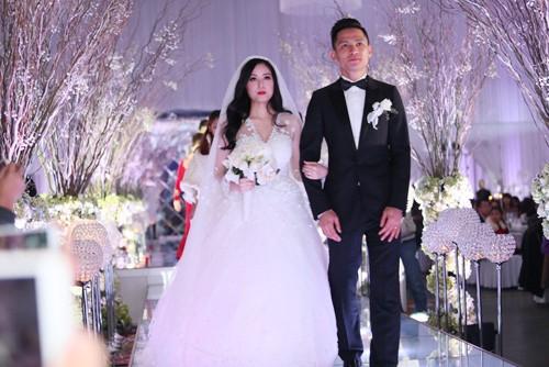 Tâm Tít vô cùng xinh đẹp và rạng rỡ trong đám cưới - anh 1