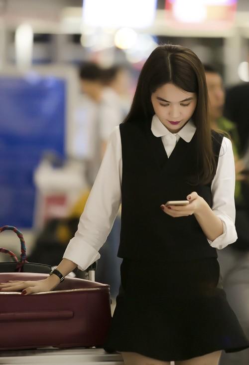 Ngọc Trinh nổi bật ở sân bay với style nữ sinh - anh 2