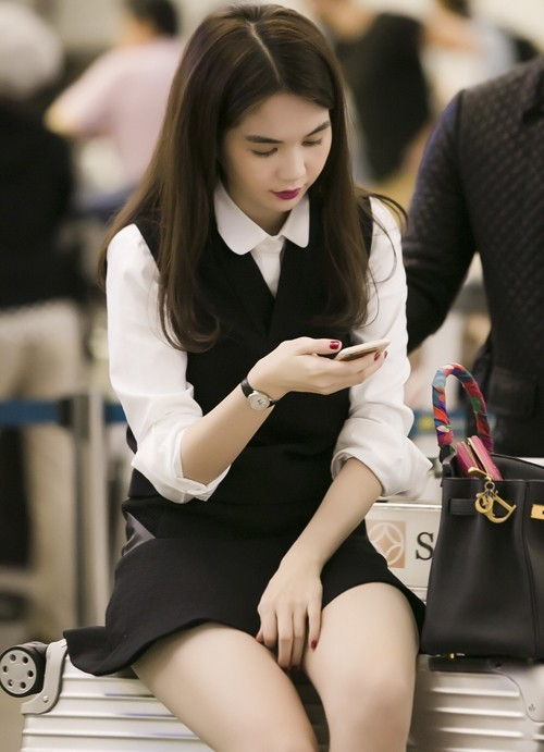 Ngọc Trinh nổi bật ở sân bay với style nữ sinh - anh 6