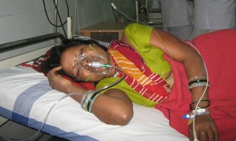 Ấn Độ: 11 phụ nữ tử vong, 62 người nhập viện do phẫu thuật triệt sản - anh 2