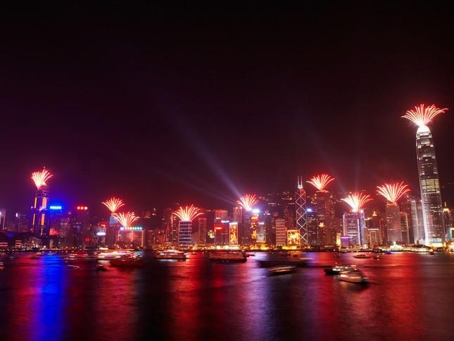 'Bữa tiệc' đón năm mới 2015 trên thế giới như thế nào? - anh 7