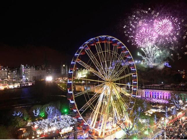 'Bữa tiệc' đón năm mới 2015 trên thế giới như thế nào? - anh 8