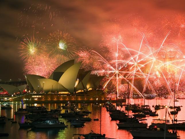 'Bữa tiệc' đón năm mới 2015 trên thế giới như thế nào? - anh 4
