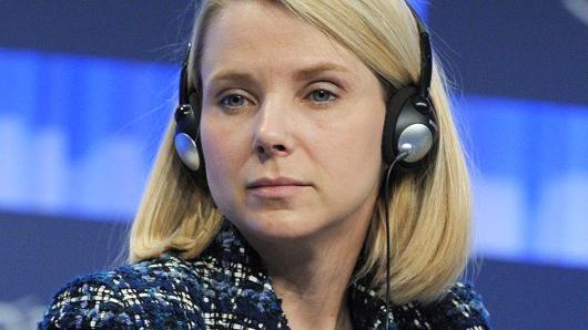 """Nữ CEO xinh đẹp của Yahoo sẽ bị """"hất cẳng""""? - anh 1"""
