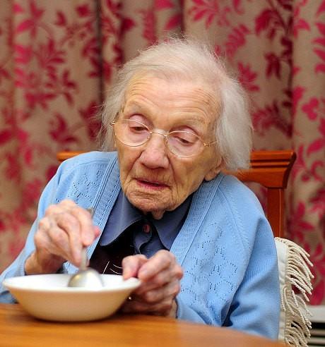 Bí quyết sống lâu của người phụ nữ 109 tuổi: Tránh xa đàn ông - anh 2