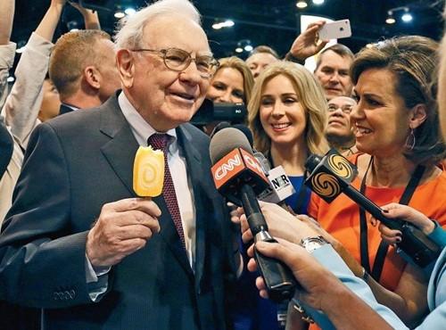 Vì sao Warren Buffett được thần tượng đến vậy? - anh 1