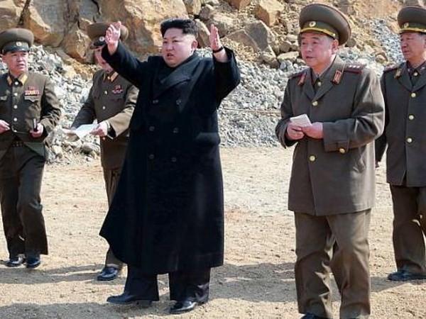"""Triều Tiên chi mạnh tay cho quốc phòng bất chấp kinh tế """"ốm yếu"""" - anh 2"""