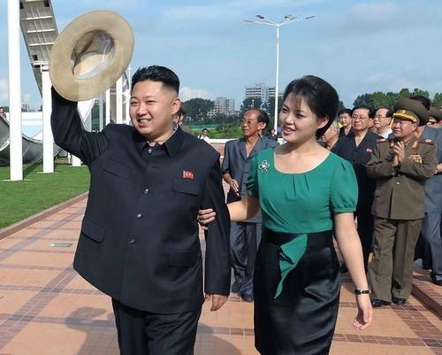 'Bóng hồng' bí ẩn của lãnh đạo Triều Tiên Kim Jong-un - anh 1