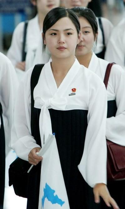 'Bóng hồng' bí ẩn của lãnh đạo Triều Tiên Kim Jong-un - anh 3