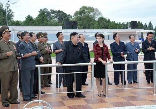 'Bóng hồng' bí ẩn của lãnh đạo Triều Tiên Kim Jong-un - anh 2