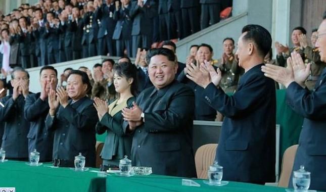 'Bóng hồng' bí ẩn của lãnh đạo Triều Tiên Kim Jong-un - anh 6