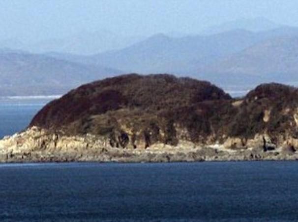 """Triều Tiên xây cơ sở quân sự """"áp sát"""" biên giới Hàn Quốc - anh 1"""