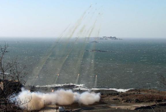 Kim Jong-un lệnh quân đội Triều Tiên sẵn sàng 'đáp trả' Hàn Quốc - anh 2