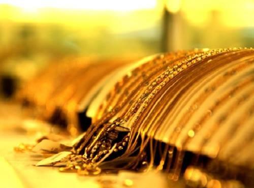 """Giá vàng hôm nay 8/5: Vàng trong nước ổn định, vàng thế giới sụt giảm do lợi tức trái phiếu """"lên đỉnh"""" - anh 1"""