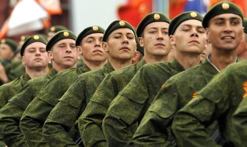"""So sánh sức mạnh Nga-phương Tây: Bên nào """"khủng"""" hơn? - anh 1"""