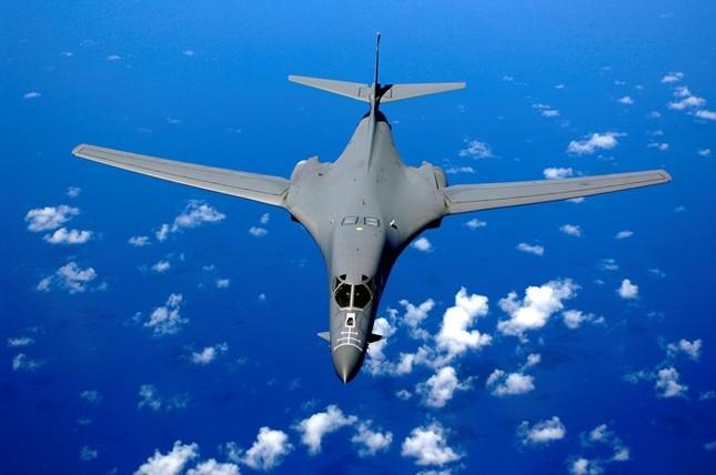Mỹ điều máy bay ném bom B-1 đến Australia răn đe Trung Quốc - anh 1
