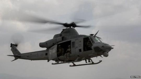 Trực thăng cứu trợ Mỹ vỡ tan tành trong động đất Nepal - anh 1