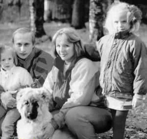 """Tiết lộ quãng đời """"nằm vùng"""" làm điệp viên của Tổng thống Nga Putin - anh 3"""