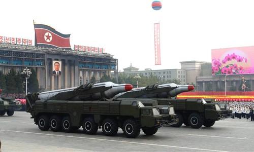 Nhật dọa tấn công Triều Tiên, bênh vực Mỹ - anh 2