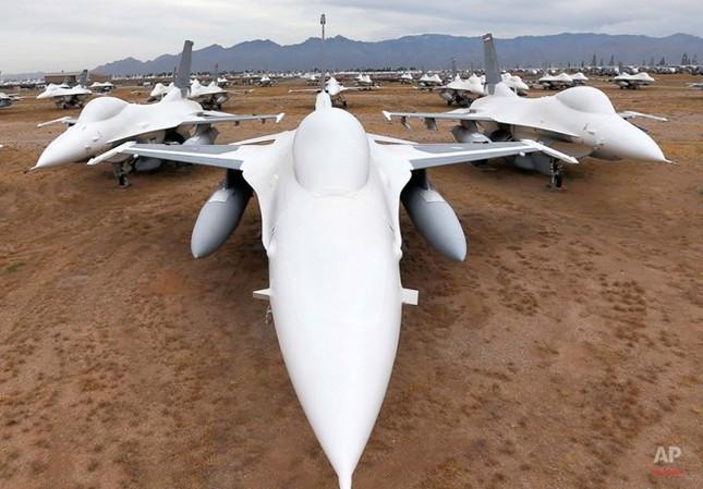 Nghĩa địa máy bay quân sự lớn nhất thế giới - anh 10