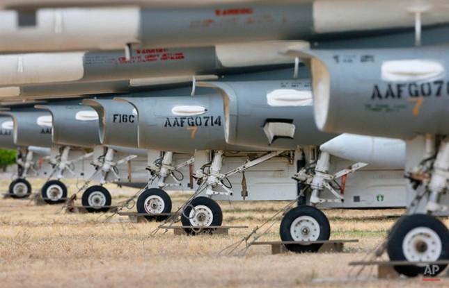 Nghĩa địa máy bay quân sự lớn nhất thế giới - anh 11