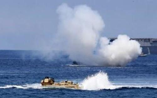 Mỹ, Nhật, Australia tập trận chung đối phó Trung Quốc bành trướng trên biển Đông? - anh 1