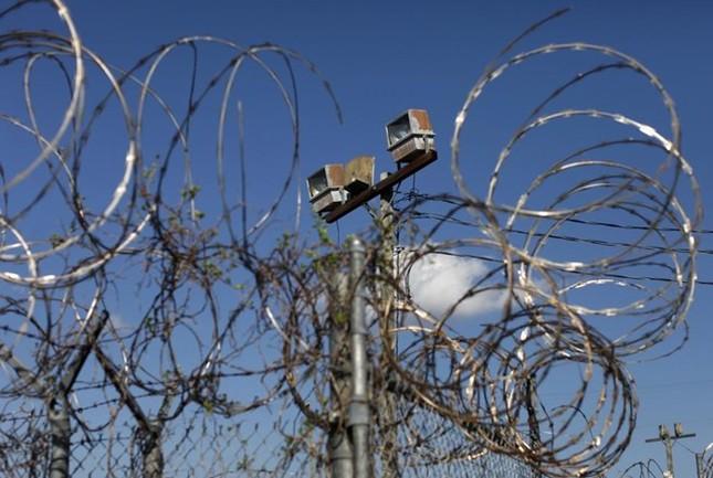 Nhà tù Guantanamo: Địa ngục trần gian với những màn tra tấn dã man - anh 11