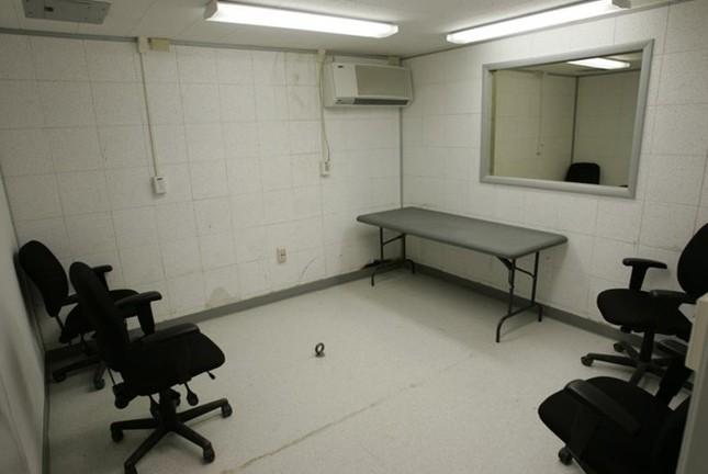 Nhà tù Guantanamo: Địa ngục trần gian với những màn tra tấn dã man - anh 6