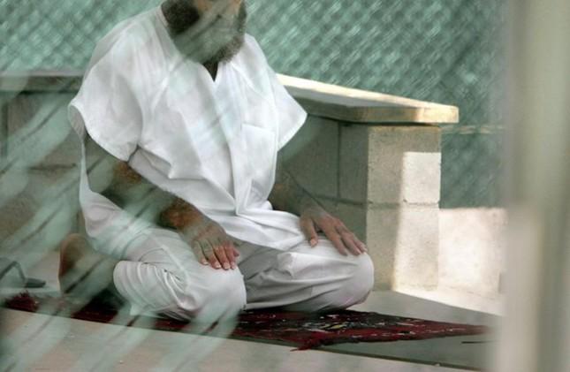 Nhà tù Guantanamo: Địa ngục trần gian với những màn tra tấn dã man - anh 7
