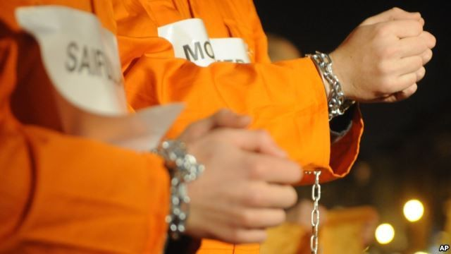 Nhà tù Guantanamo: Địa ngục trần gian với những màn tra tấn dã man - anh 4