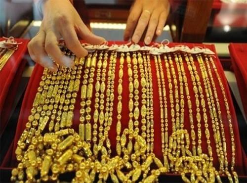 """Giá vàng hôm nay 04/06: Giá vàng trong nước """"đứng nhìn"""" giá vàng thế giới lao dốc - anh 1"""