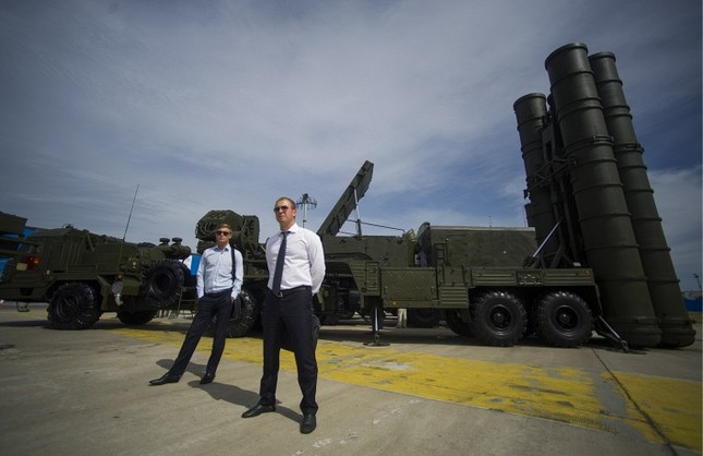 Ngắm dàn vũ khí 'siêu khủng' tạo nên sức mạnh quân đội Nga - anh 6