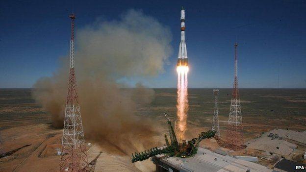 Tàu tiếp tế nổ tan xác, Nga tiếp tục phóng tàu vũ trụ có người lái lên ISS - anh 1