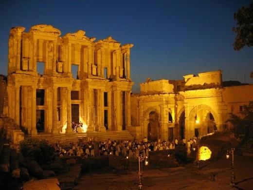 """16 công trình cổ đại """"thách thức"""" các nhà khảo cổ - anh 11"""