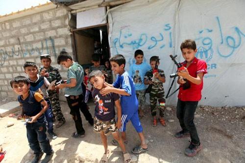 Những công cụ dùng làm vũ khí đầy ghê tởm của IS - anh 3