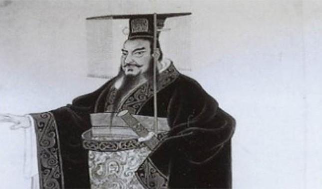 25 vua chúa điên rồ nhất lịch sử nhân loại (1) - anh 15