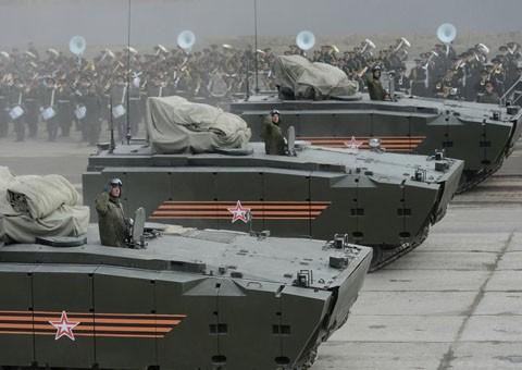 Vũ khí Nga-Mỹ: Cuộc đua 'kẻ tám lạng, người nửa cân' - anh 1