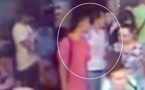 Truy lùng một nghi phạm nữ trong vụ đánh bom chấn động Bangkok - anh 1