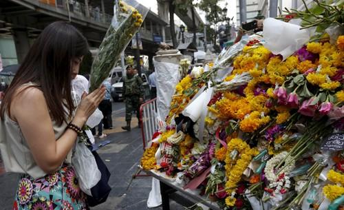 Truy lùng một nghi phạm nữ trong vụ đánh bom chấn động Bangkok - anh 2