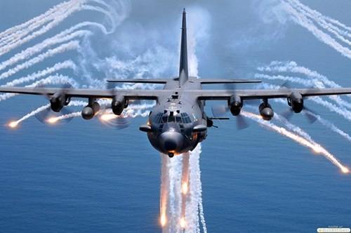 """Máy bay cường kích Lockheed AC-130 – """"Hung thần"""" của Không quân Mỹ - anh 1"""