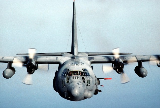 """Máy bay cường kích Lockheed AC-130 – """"Hung thần"""" của Không quân Mỹ - anh 3"""