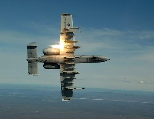 """Khám phá sức mạnh """"Thần sấm"""" A-10 Thunderbolt của Không quân Mỹ - anh 10"""